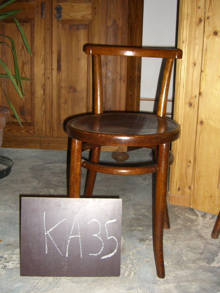 st hle und kanape el carpintero. Black Bedroom Furniture Sets. Home Design Ideas
